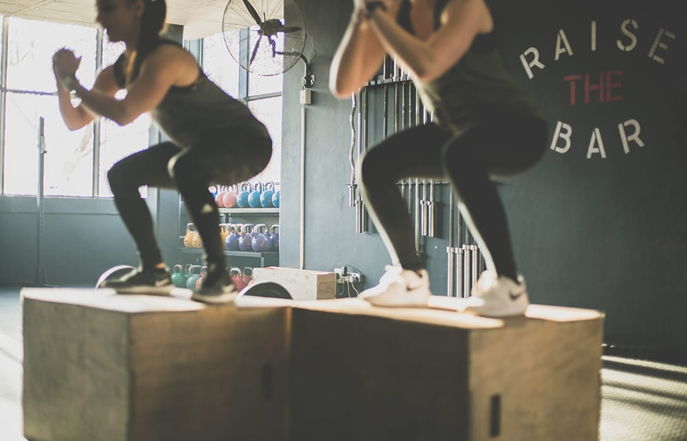 personal trainers help clients reach goals